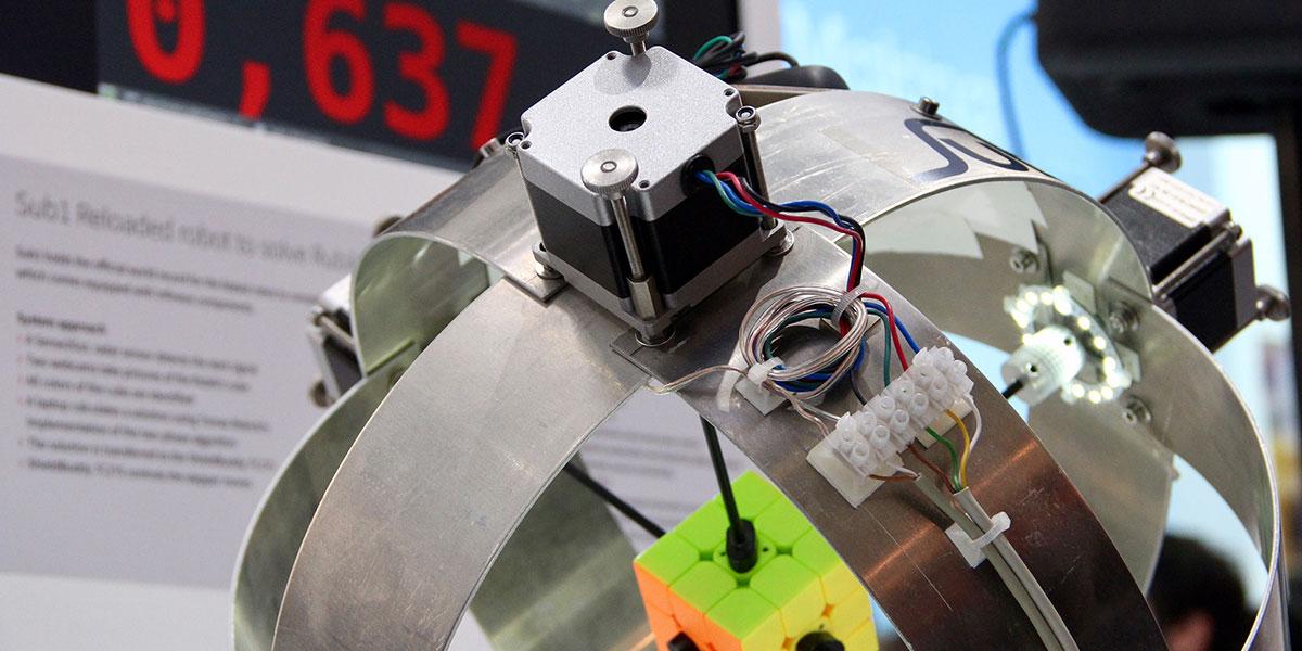 Bot Smashes Rubik's Record